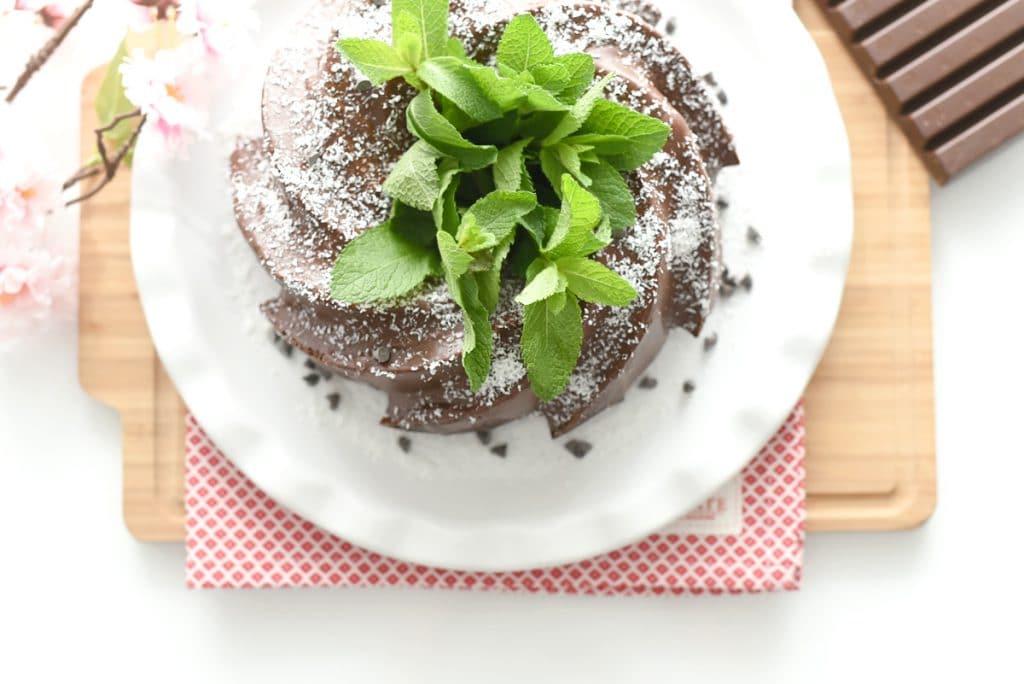 Tarta de chocolate y coco borracha