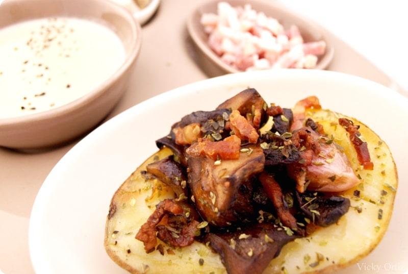 Crema de champiñones con patatas, níscalos y bacon