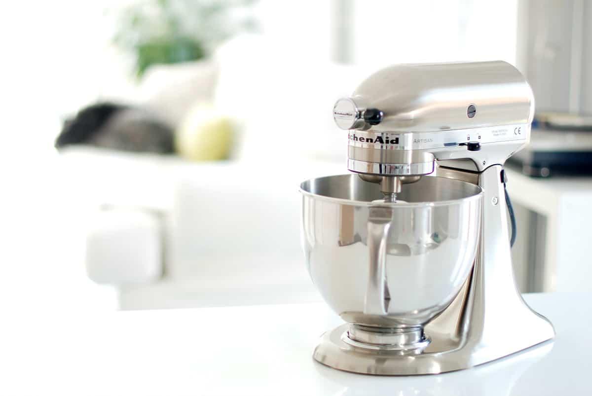 KitchenAid® níquel pulido